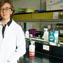 Doctorandade la FIL busca blancos terapéuticos para el cáncer