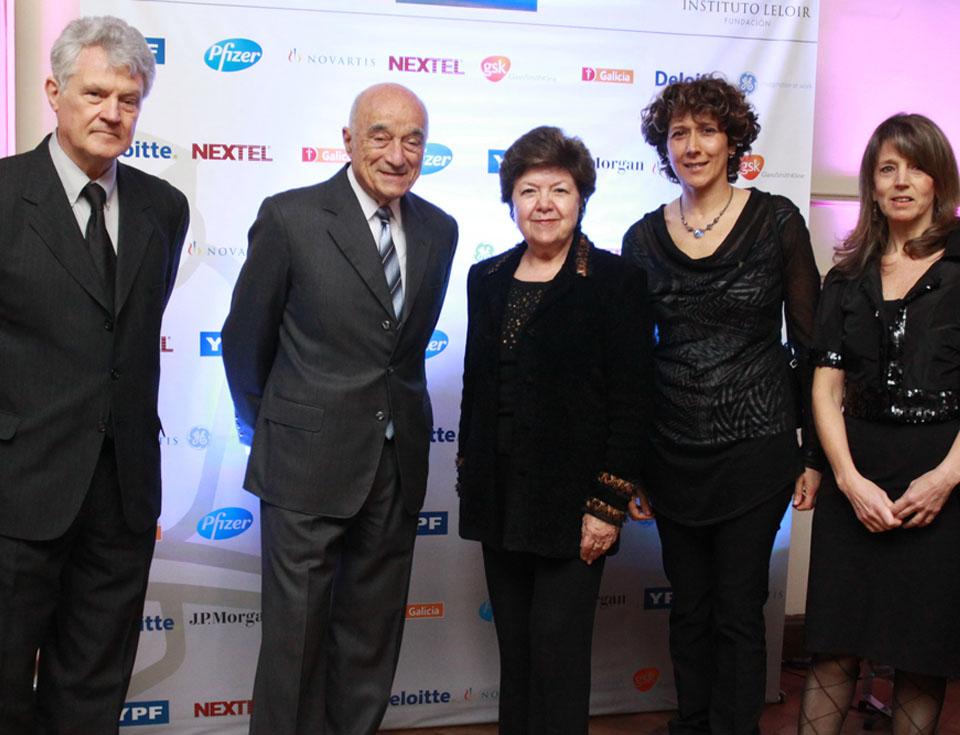 Dr. Armando J. Parodi (Presidente FIL), Ing. Enrique Eskenazi, Vilma Socorro Martínez (Embajadora de los Estados Unidos), Dras. Andrea Gamarnik y Angeles Zorreguieta (FIL).