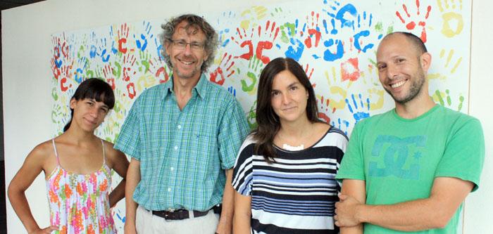 María Belén Pardi (izq.) Alejandro Schinder, Antonia Marin-Burgin y Lucas Mongiat, autores del trabajo publicado en Science