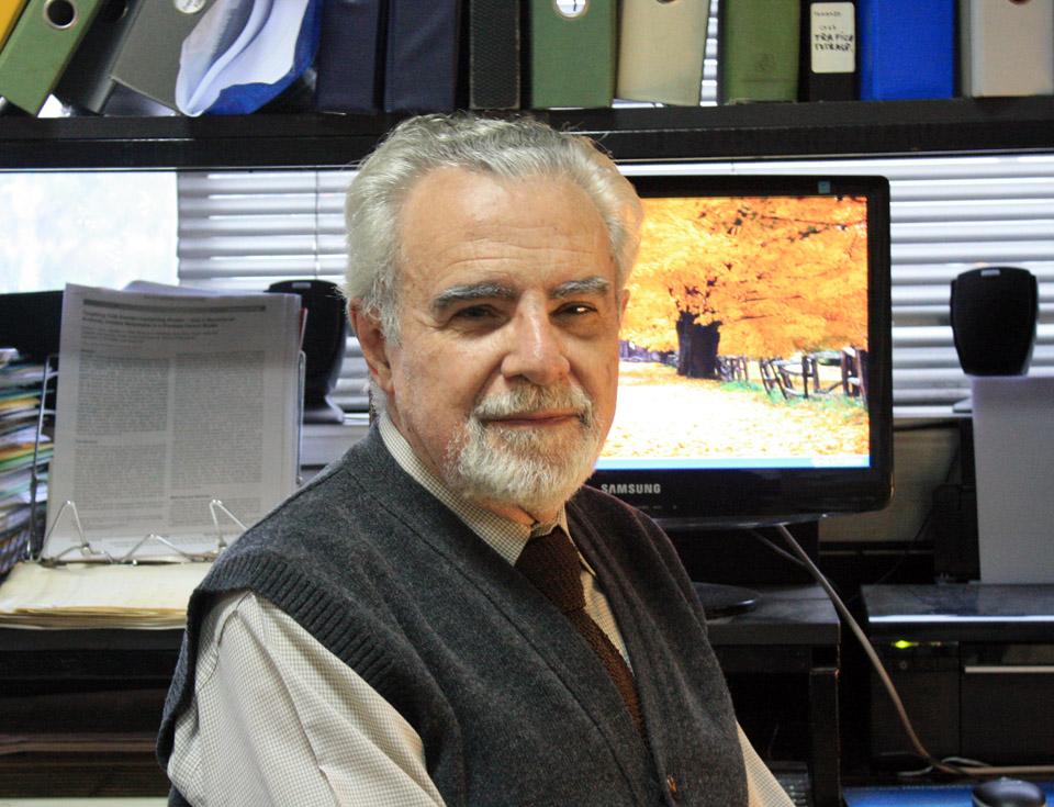 El doctor José Mordoh, Jefe del Laboratorio de Cancerología del Instituto Leloir y Director del Centro de Investigaciones Oncológicas de la Fundación Cáncer.