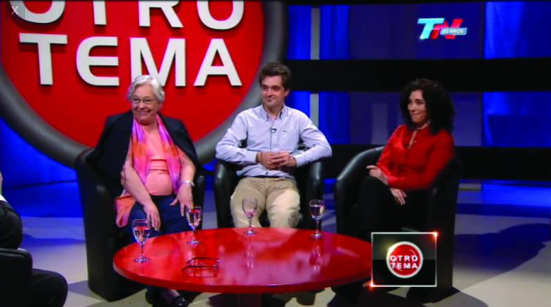 La Dra. María Fernanda Ceriani junto a la Dra. Juana María Pasquini y al Dr. Galo Soler Illia durante el programa.
