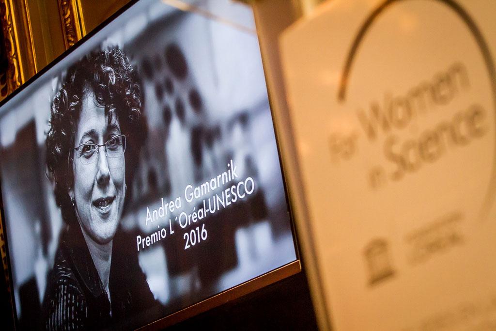 LOreal Argentina y la Embajada de Francia homenajearon a Andrea Gamarnik - 01