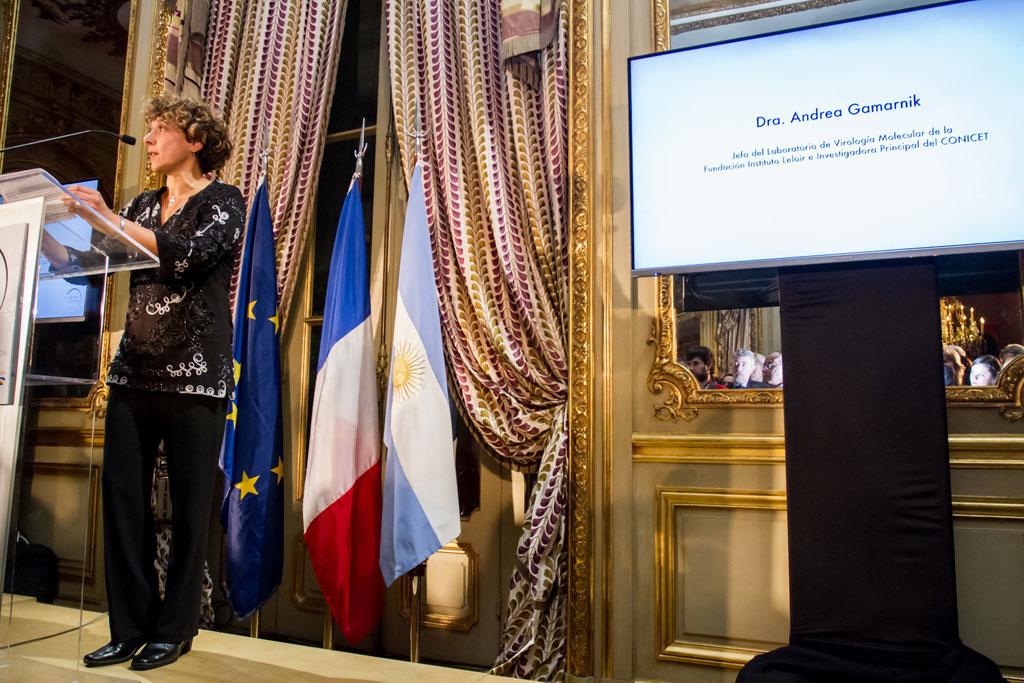 LOreal Argentina y la Embajada de Francia homenajearon a Andrea Gamarnik - 02