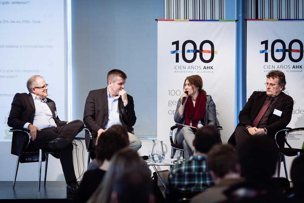 Mesa de debate del primer Foro de Innovación de la Cámara de Industria y Comercio Argentino-Alemana