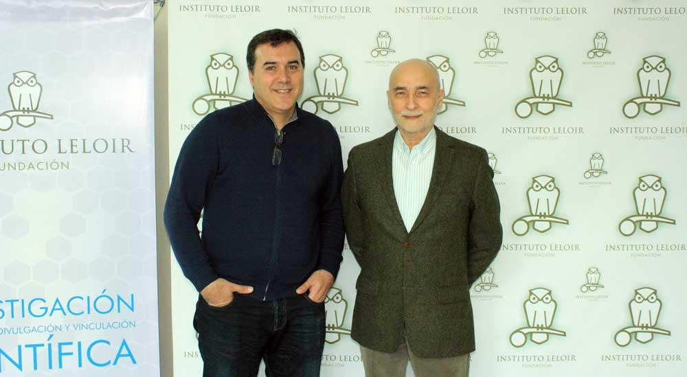 El doctor Francisco Barrantes (der.) y el doctor José Estévez, organizador de los Seminarios Cardini del Instituto Leloir.