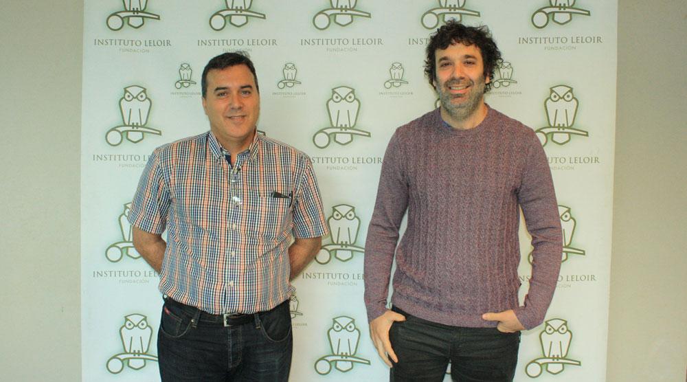 El doctor Mariano Sigman (der.) y el doctor José Estévez, organizador de los Seminarios Cardini del Instituto Leloir.