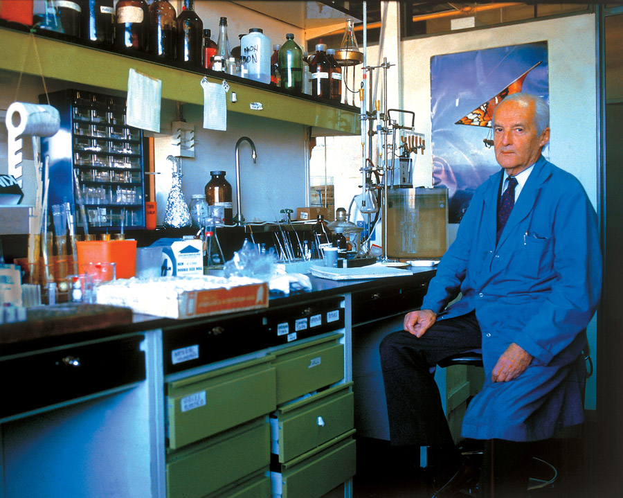 El doctor Luis Federico Leloir fue director del Instituto de Investigaciones Bioquímicas- Fundación Campomar (en la actualidad, Fundación Instituto Leloir) durante cuatro décadas.