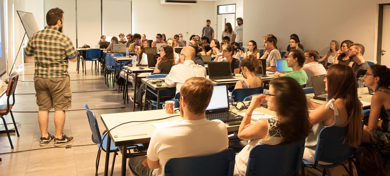 El curso se impartió a 80 investigadores, estudiantes de doctorado, estudiantes universitarios, y trabajadores de empresas privadas y de organismos del Estado.