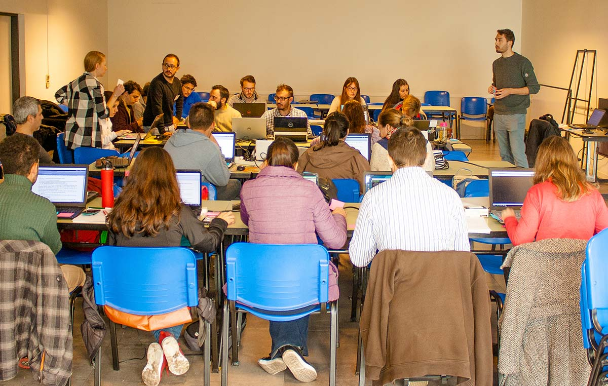 Estudiantes de grado, posgrado e investigadores recién iniciados profundizaron sus conocimientos en el área de la bioinformática.
