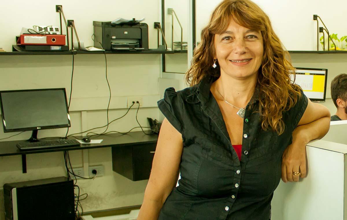 La Dra. Cristina Marino-Buslje, jefa del Laboratorio de Bioinformática Estructural del Instituto Leloir e investigadora del CONICET.