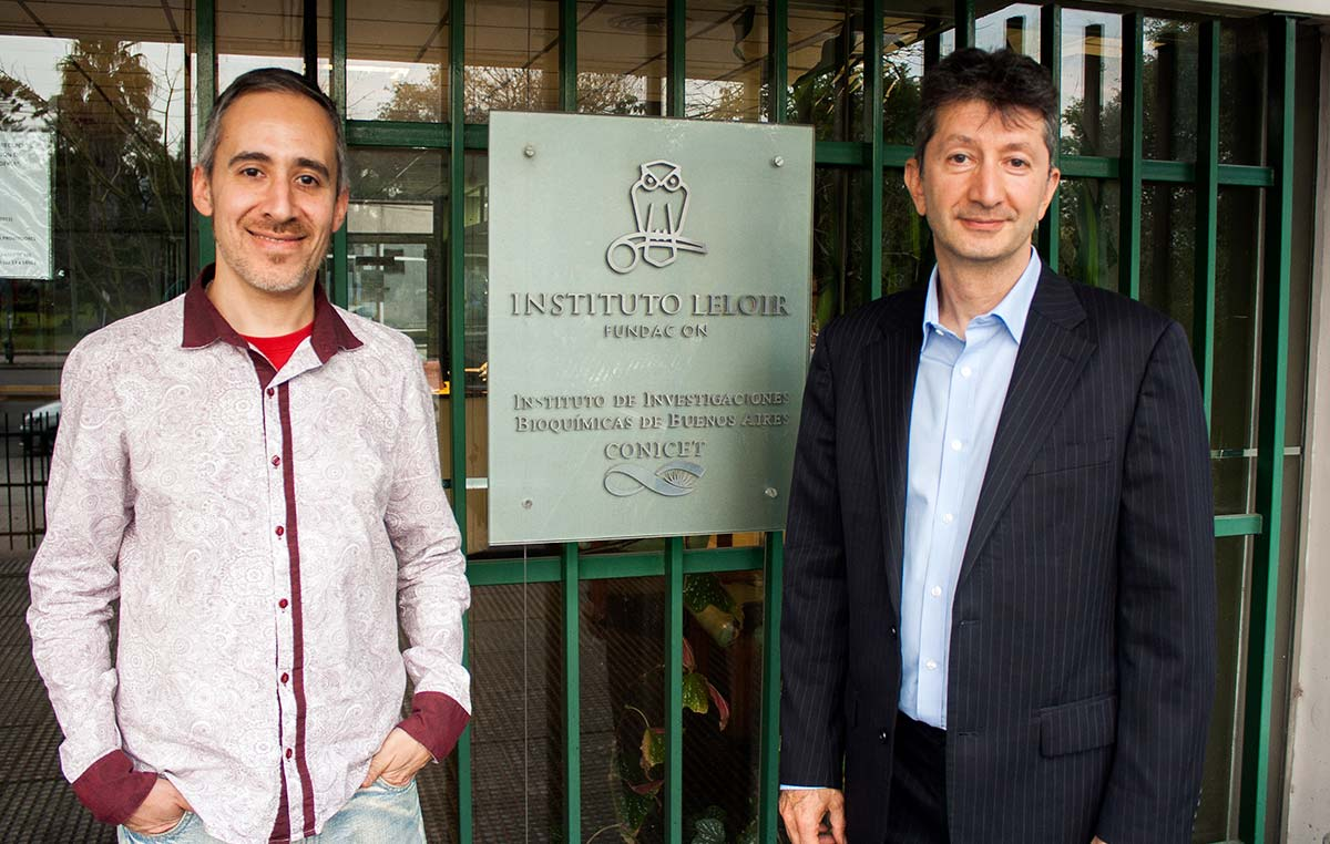 El doctor Ammar Al-Chalabi (der.) y Pablo Aquino, secretario y fundador de la Asociación ELA Argentina.