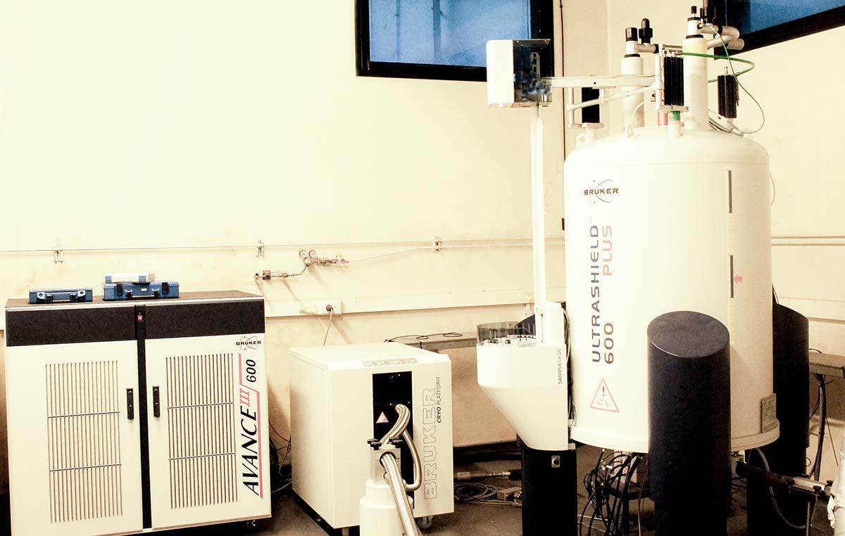 Equipo de Resonancia Magnética de la Fundación Instituto Leloir.