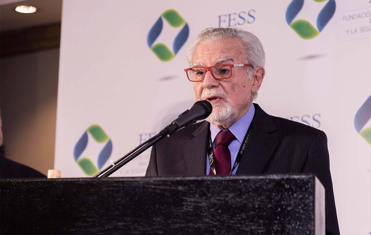 La Fundación de Estudios para la Salud y la Seguridad Social (FESS) le otorgó el Premio Institucional FESS 2018 en la categoría Excelencia Médica al doctor José Mordoh, jefe del Laboratorio de Cancerología de nuestra fundación. Créditos: Evelyn Flores