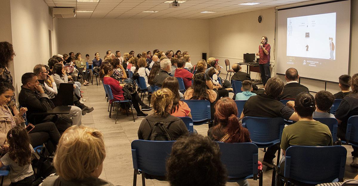 También hubo conferencias del área de las neurociencias, bioinformática, proteínas, enfermedades infecciosas y otros temas.