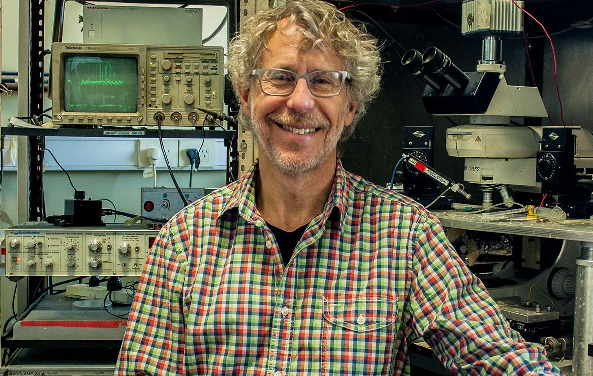 Alejandro Schinder, director del Laboratorio de Plasticidad Neuronal y Presidente de la Fundación Instituto Leloir.