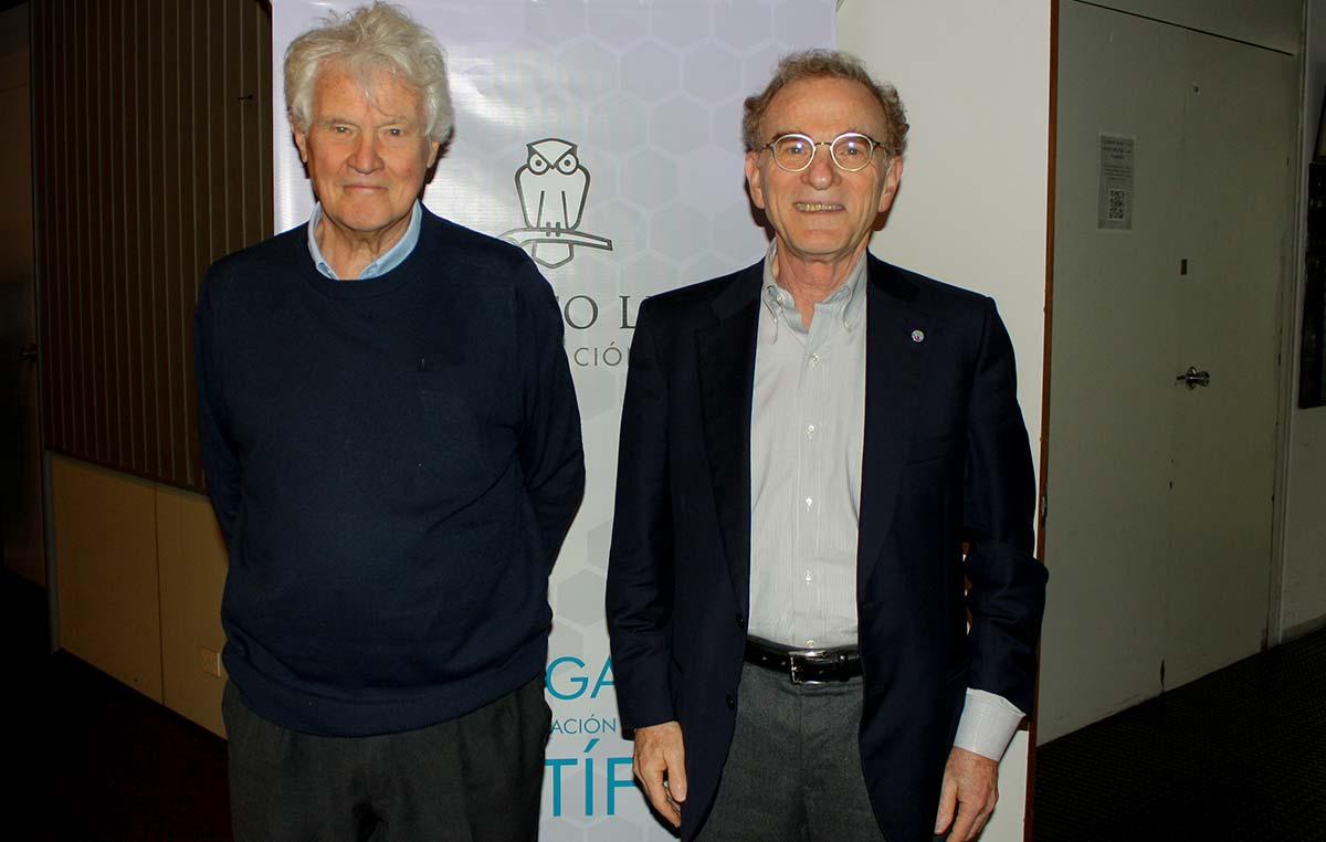 El Dr. Randy Shekman, Premio Nobel de Medicina de 2013 (der.), y el Dr. Armando Parodi, Investigador Emérito del Instituto Leloir y del CONICET.