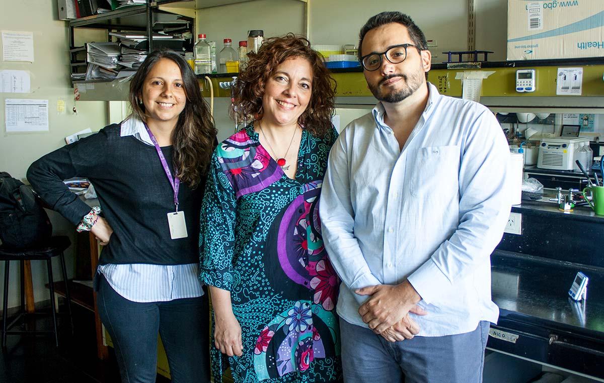Vanesa Gottifredi (centro), Sabrina Mansilla y Gastón Soria.