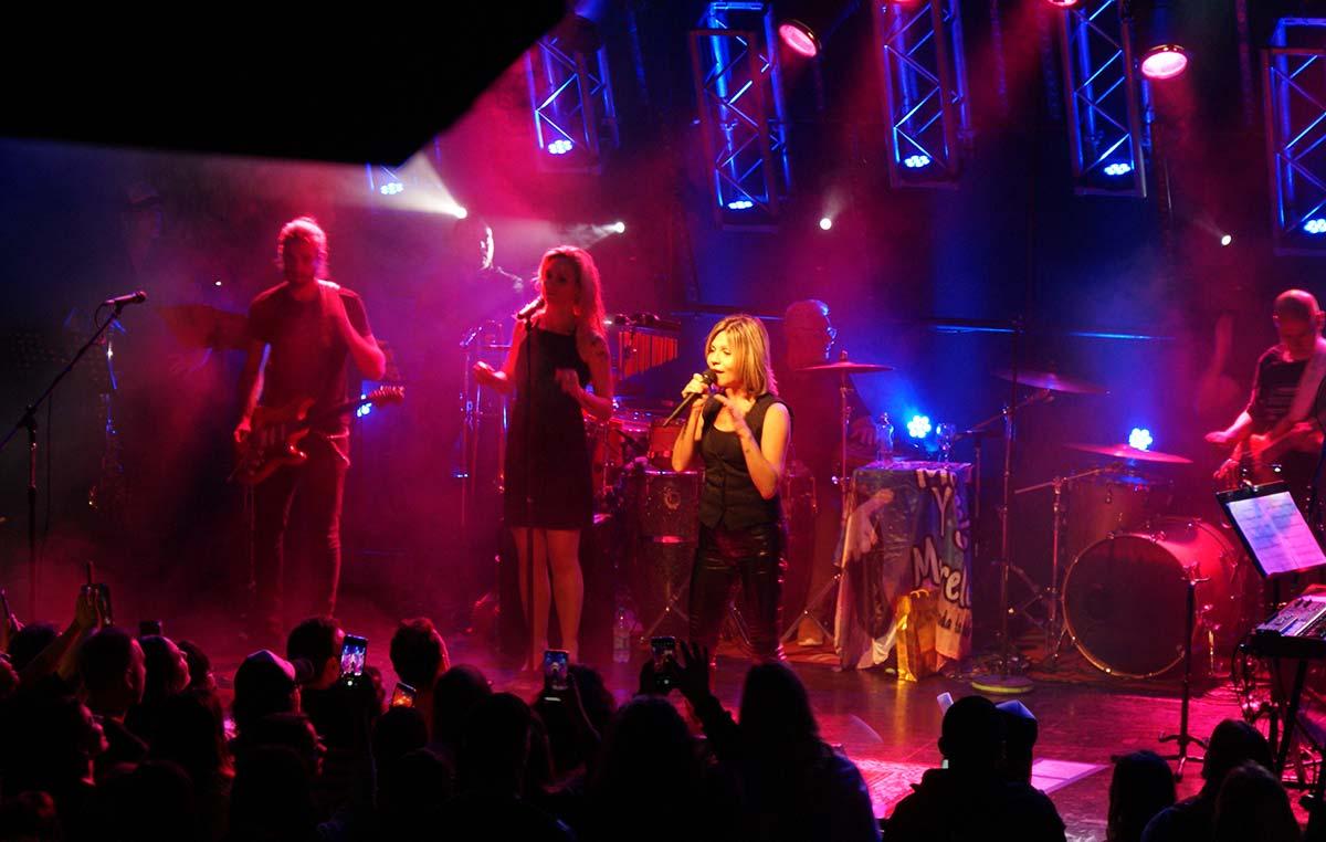El concierto de Marcela Morelo a beneficio del Instituto Leloir hizo cantar y bailar al público