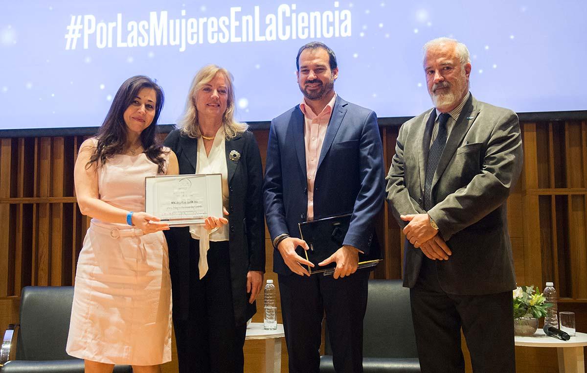 """María Fernanda Ledda fue reconocida con una mención especial del Premio Nacional L'Oréal-Unesco """"Por la Mujer en la Ciencia"""" 2019 por su trayectoria y aportes en el estudio del sistema nervioso. Créditos: L'Oréal Argentina."""