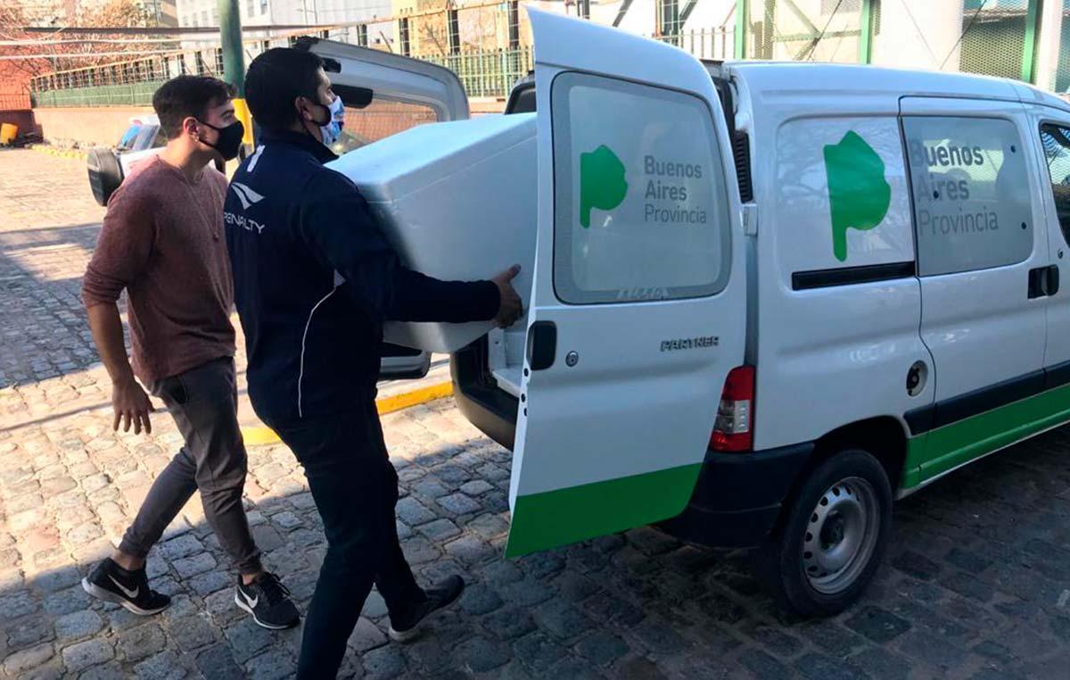 """Entrega de 10.000 determinaciones de """"COVIDAR IgG"""" al Ministerio de Salud de la Provincia de Buenos Aires realizada el jueves 25 de junio."""