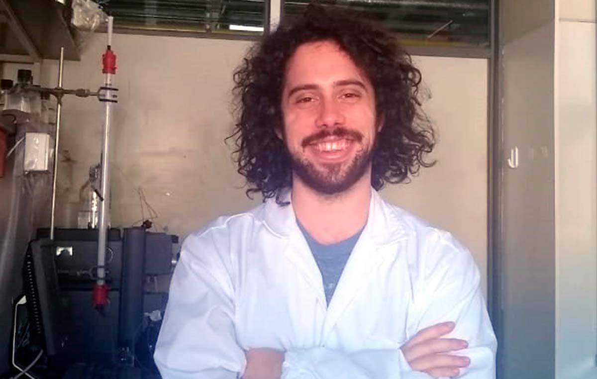 Giuliano Antelo, biólogo y becario doctoral del CONICET en la Fundación Instituto Leloir.