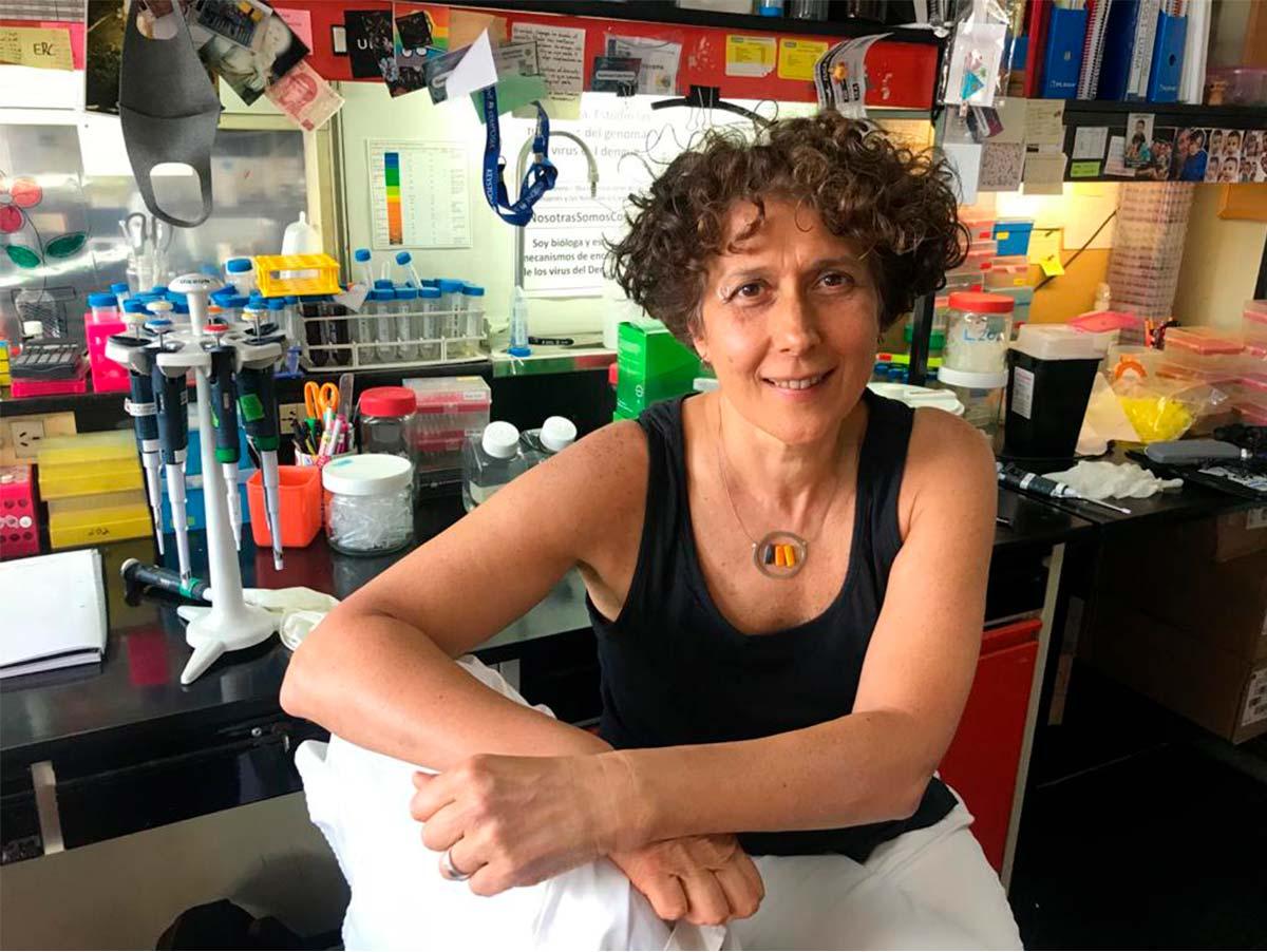 Andrea Gamarnik, jefa del Laboratorio de Virología Molecular del Instituto Leloir, investigadora del CONICET y líder del desarrollo de los kits serológicos COVIDAR.