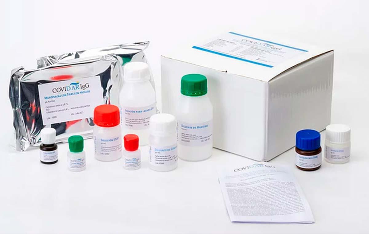 """Los test COVIDAR detectan anticuerpos de tipo IgG contra la proteína """"spike"""" del nuevo coronavirus en muestras de sangre de personas infectadas o vacunadas."""